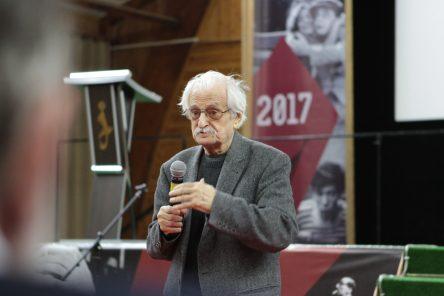 Filmový režisér Marlen Chucijev – čestný prezident festivalu Belyje Stolby. Foto: Jekatěrina Šerstobitova.