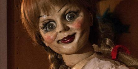 Horor Annabelle 2 a animovaní Emoji překonali drama Dunkerk