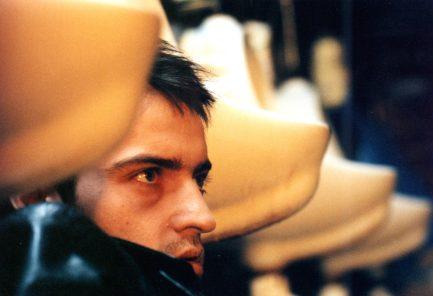 Kanárci Tarantinových dolů: Češi a generační filmy devadesátých let